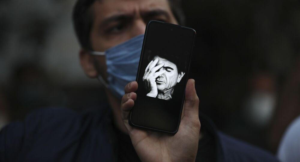 Eserleriyle İran'ın simgelerinden biri olarak dünyaca tanınan ses sanatçısı Muhammed Rıza Şeceryan hayatını kaybetti.
