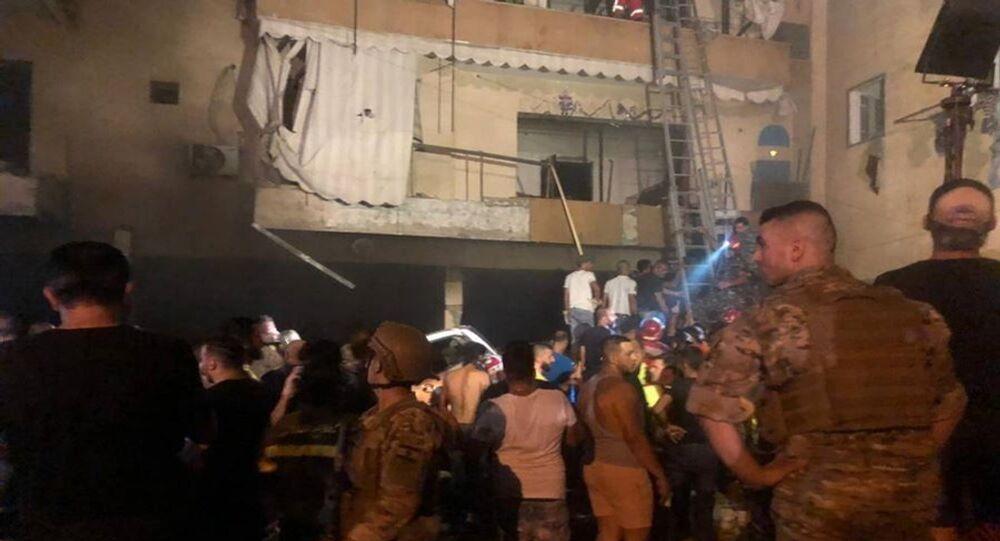 Lübnan'ın başkenti Beyrut'ta bir yakıt deposunda meydana gelen patlamada 4 kişi hayatını kaybetti.