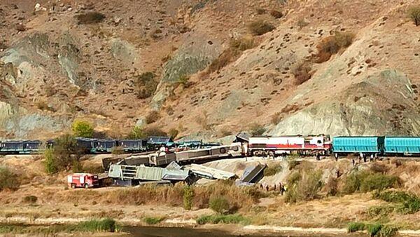 Ankara'da iki yük treni çarpıştı - Sputnik Türkiye