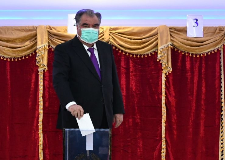 Tacikistan Devlet Başkanı İmamali Rahman