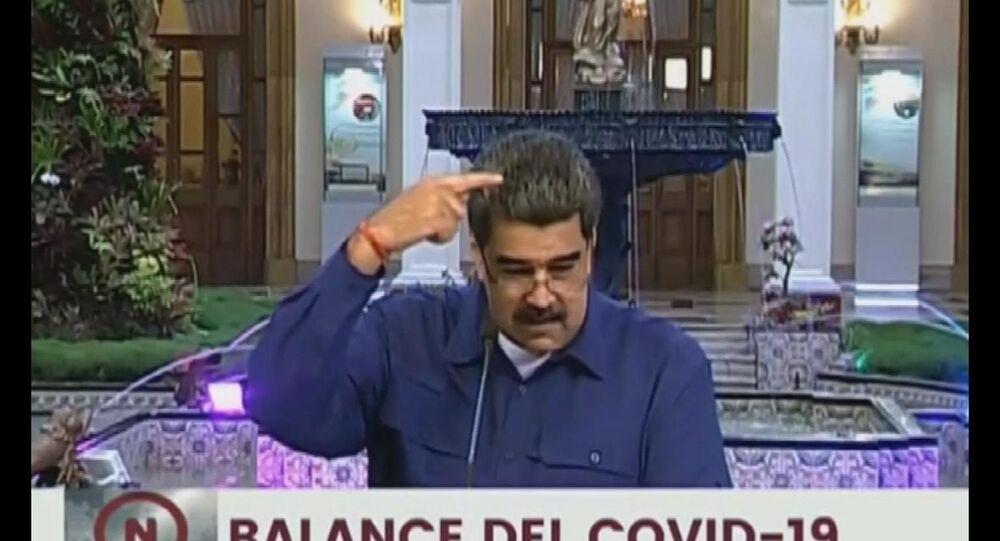 Venezüella Devlet Başkanı Nicolas Maduro, canlı yayında gelen sinek üzerinden ABD Başkan Yardımcısı Mike Pence ile dalga geçti.
