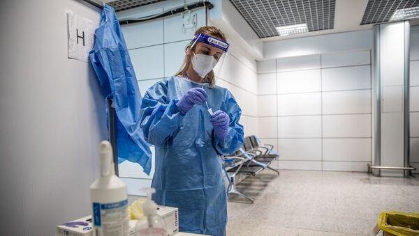 İtalya - koronavirüs test - Sputnik Türkiye