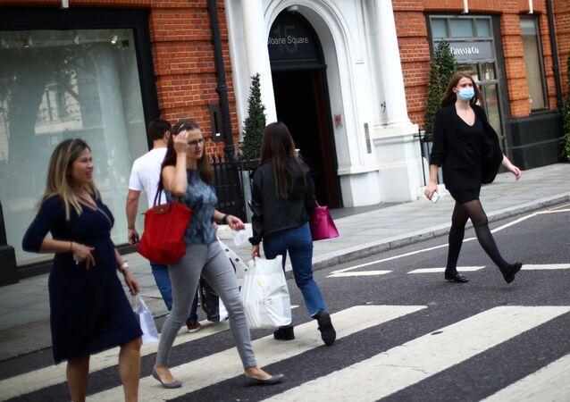 Londra - maske - koronavirüs - Kovid-19 - İngiltere