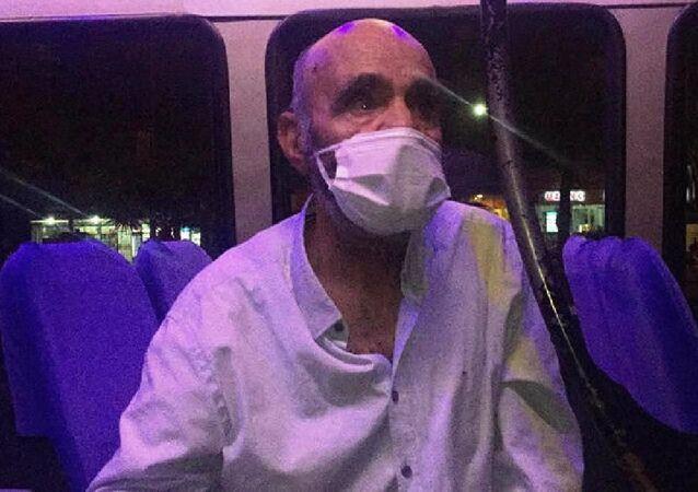 Karantinayı ihlal eden koronavirüs hastası minibüste yakalandı
