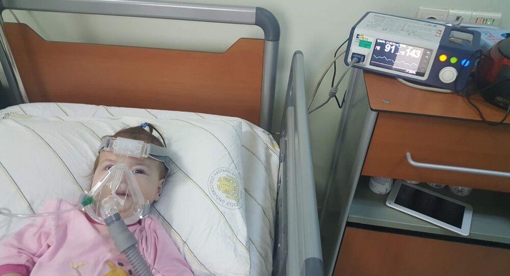 2.5 yaşındaki Tip-1 SMA hastası olan kızları Meryem