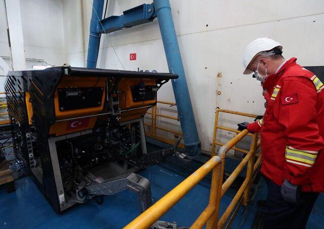Yerli su altı robotu Kaşif, Recep Tayyip Erdoğan, Fatih sondaj gemisi