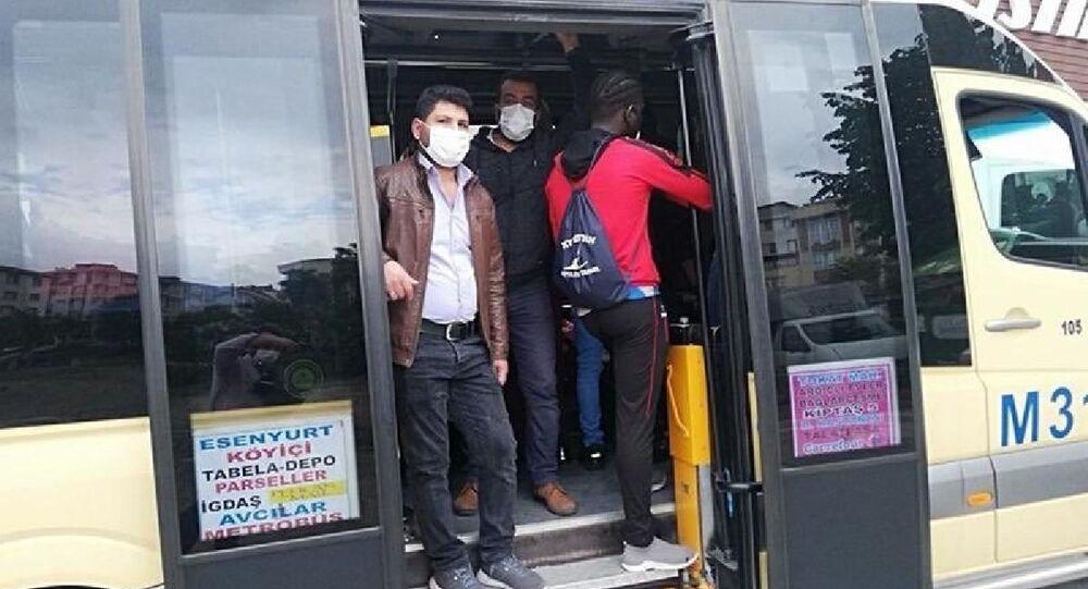 Sağlık Bakanı Koca'dan, 'Fazla yolcu taşıyan dolmuşa binmeyin' uyarısı