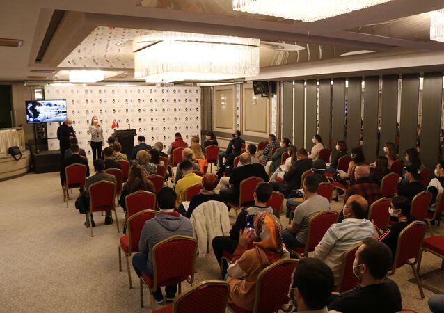 Rusya'da eğitim görmek isteyen Türk öğrenciler için düzenlenen Rusya'da okuyacağım sergisi Ankara'da başladı