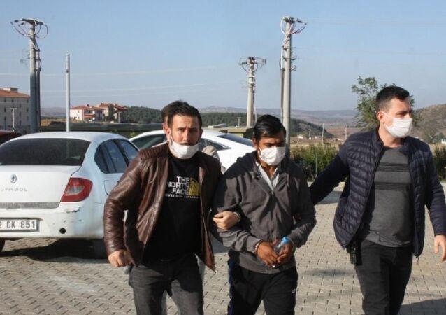 Otobüste yolcuya cinsel tacizde bulunduğu iddia edilen muavin tutuklandı