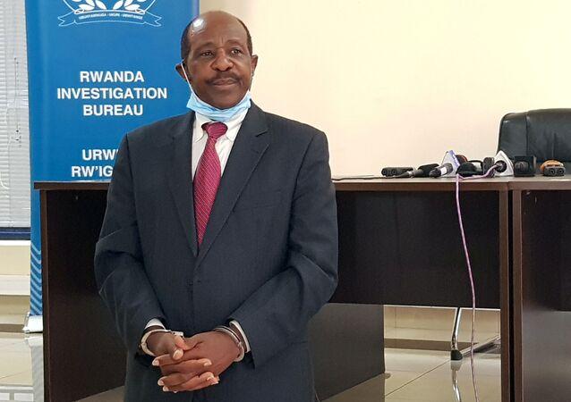 Ruanda'da 1994'te yaşanan soykırımı anlatan Hotel Ruanda filmine ilham kaynağı olan ve isyan çıkarmakla suçlanan Paul Rusesabagina