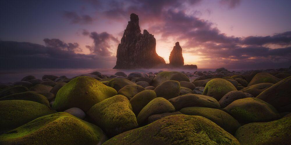 2020 Epson Uluslararası Panoramik Fotoğraf Yarışması'nın Amatör Doğa_Manzaralar kategorisinde birinci seçilen İspanyol fotoğrafçı Carlos F. Turienzo'nun Janela isimli fotoğrafı