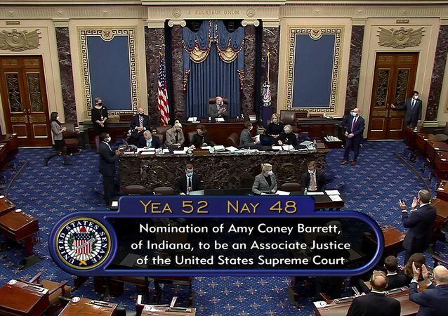 ABD Senatosu Trump'ın Yüksek Mahkeme adayı Barrett'ı onayladı