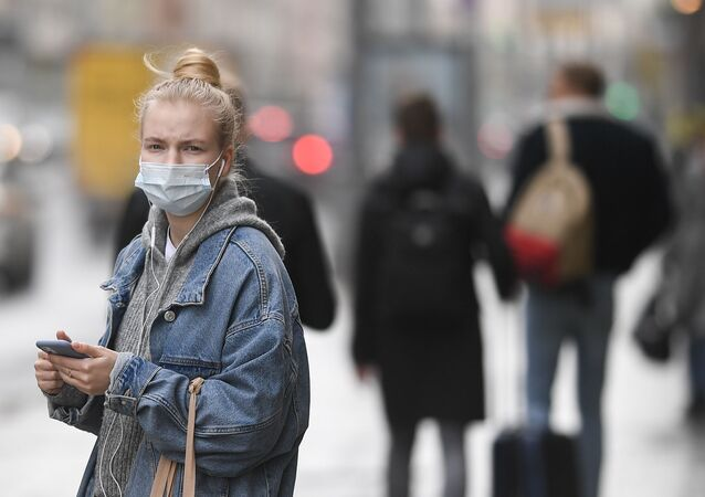 Maske- koronavirüs - Kovid-19  - Rusya - Moskova