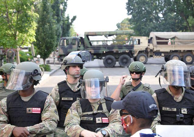 Minneapolis'te George Floyd gösterileri, kolluk kuvvetleri