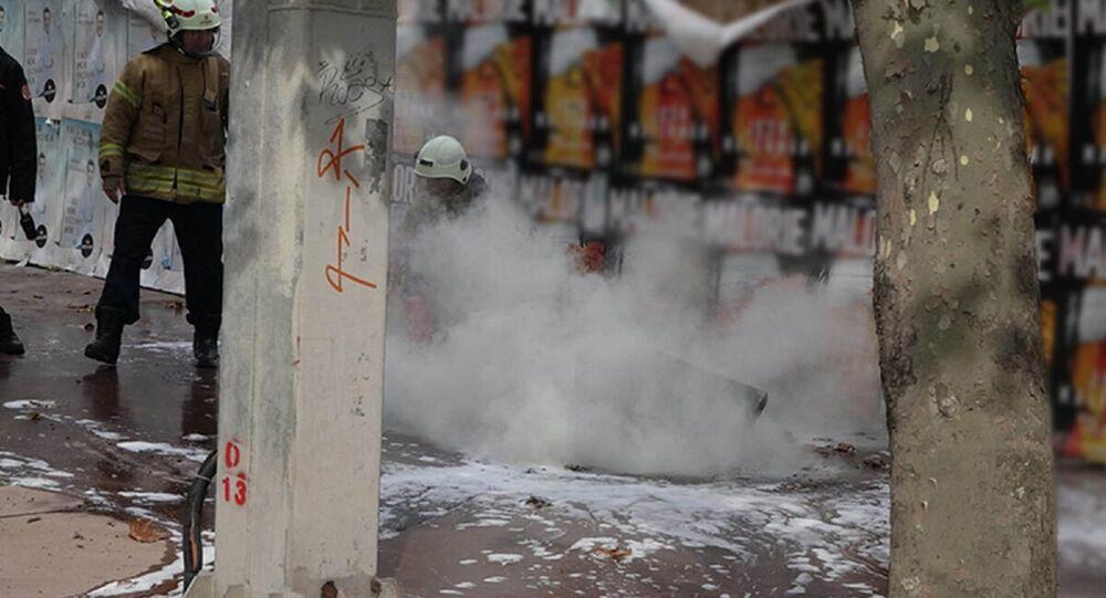 Beşiktaş'ta yeraltı elektrik kablolarında patlama