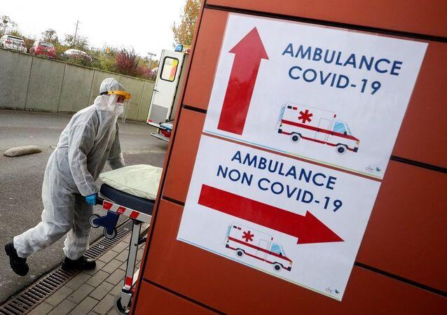 Belçika koronavirüs-ambulans-hastane