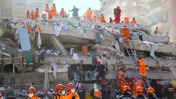 İzmir - deprem - Rıza Bey Apartmanı - Sputnik Türkiye