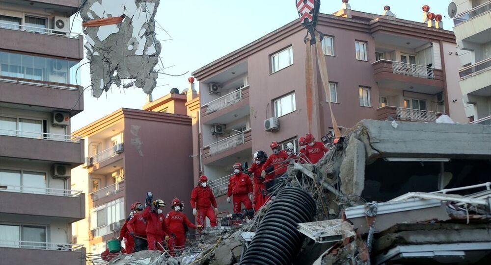 Rıza Bey Apartmanı, enkaz,  Bayraklı, İzmir