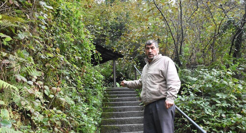 Zonguldak'ta, ağaçtan düştüğü iddiasıyla hastaneye götürülen Hüseyin B'nin, ruhsatsız işletilen maden ocağında göçükte yaralandığı ortaya çıktı.