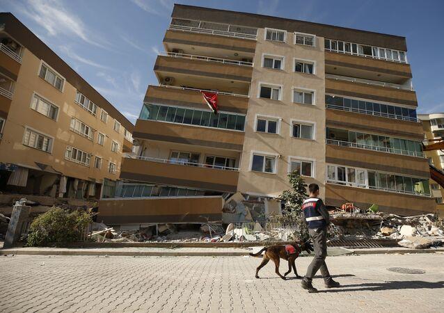İzmir'deki deprem