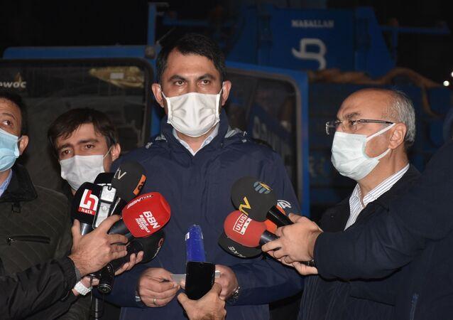 Çevre ve Şehircilik Bakanı Murat Kurum, İzmir depremi