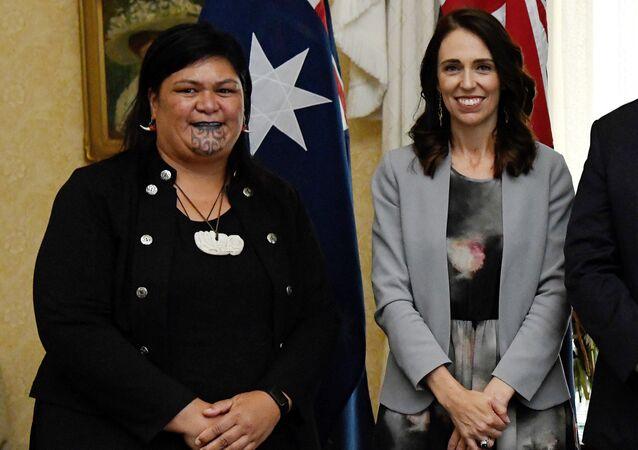 Nanaia Mahuta ile Jacinda Ardern