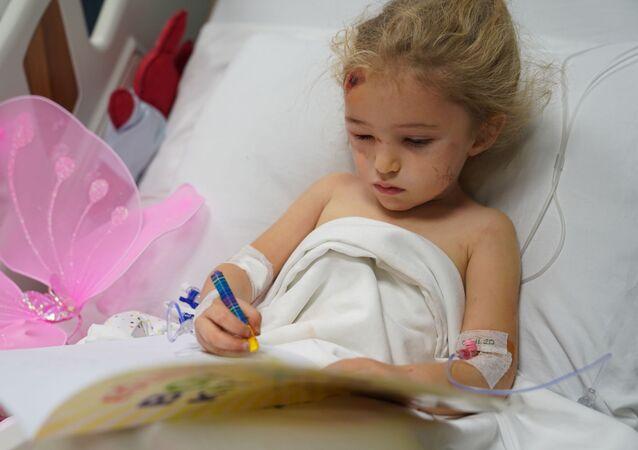 Depremden 65 saat sonra kurtarılan 3 yaşındaki Elif Perinçek