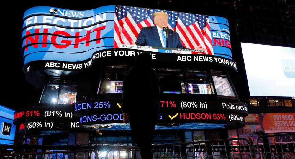 ABD'de başkanlık seçimi: Biden önde götürüyor, Trump'tan 'oy yığınları sihirli bir şekilde kayboldu' açıklaması - Sputnik Türkiye
