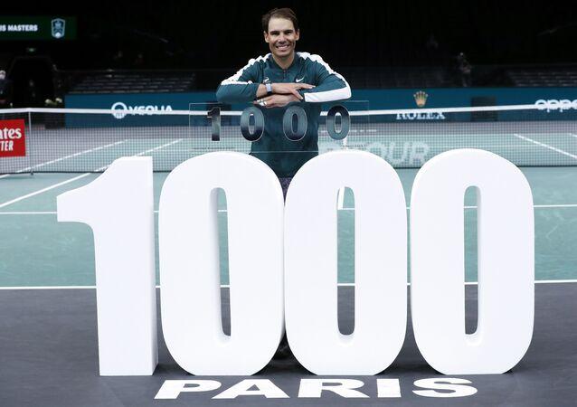 Profesyonel kariyerindeki ilk galibiyetini 2002'de Mallorca'daki ATP turnuvasında alan İspanyol raket, bu sonuçla 1000. tekler maçını kazandı.