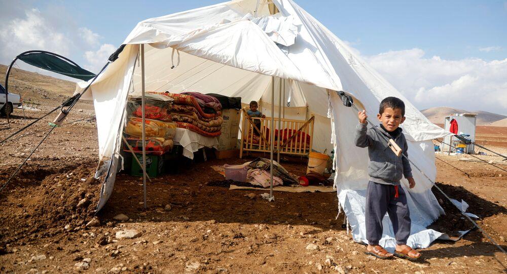İsrail'in aile evlerini yıktığı Ürdün Valisi'nin kuzeyindekiHammisa Bedevi Topluluğu'ndan çocuklar