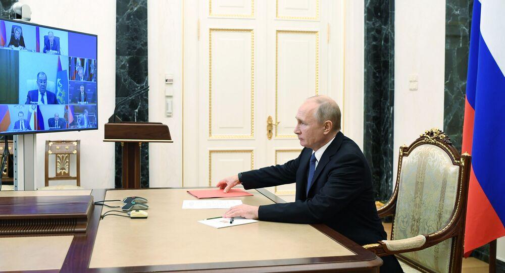 Vladimir Putin, Güvenlik Konseyi, telekonferans görüşmesi