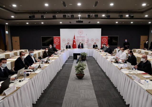 İstanbul'da Sağlık Bakanı Koca başkanlığında salgınla mücadele toplantısı yapıldı