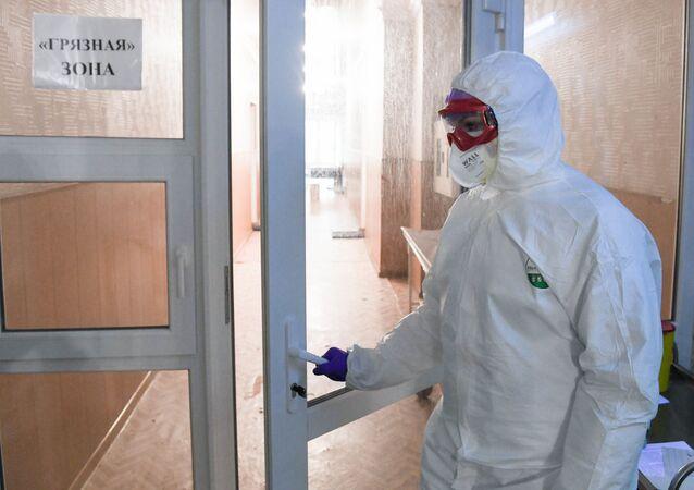 doktor, koronavirüs, Rusya
