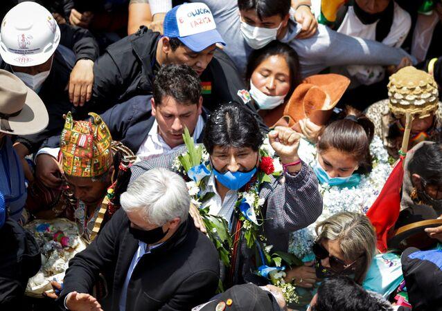 Evo Morales, 1 yıllık sürgünün ardından ülkesine geri döndü.