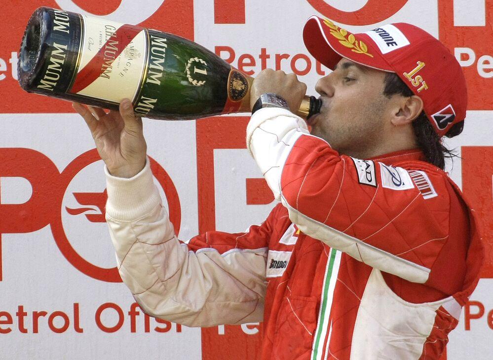 2008'de Ferrari pilotları Felipe Massa ile Kimi Raikkonen, Montoya'ya ait İstanbul Park'ın en hızlı tur zamanı ve en yüksek hız rekorlarına en fazla yaklaşan isimler oldu. Massa ve Raikkonen, 2008'deki etapta 323.9 kilometre ile yarışın en yüksek hızını paylaştı. Raikkonen, 20. turda 1.26.506'lık derecesiyle yarıştaki en hızlı turu da attı.