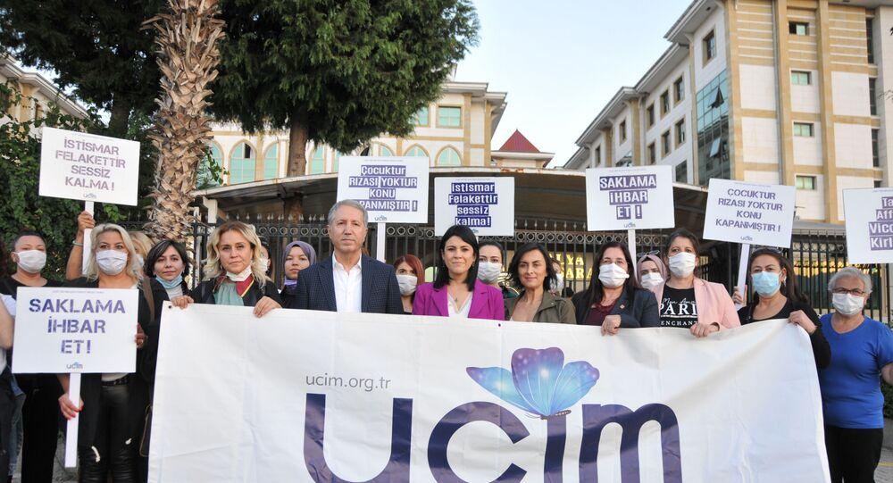 Antalya'da 26 öğrencisine cinsel istismarda bulunan öğretmen Mahmut Aydın Köksar 621 yıl hapis cezası aldı