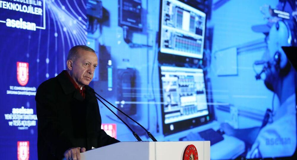 Türkiye Cumhurbaşkanı Recep Tayyip Erdoğan, Aselsan'ın Gölbaşı'ndaki yerleşkesinde, Aselsan Yeni Sistem Tanıtımları ve Tesis Açılışları programına katılarak bir konuşma yaptı.