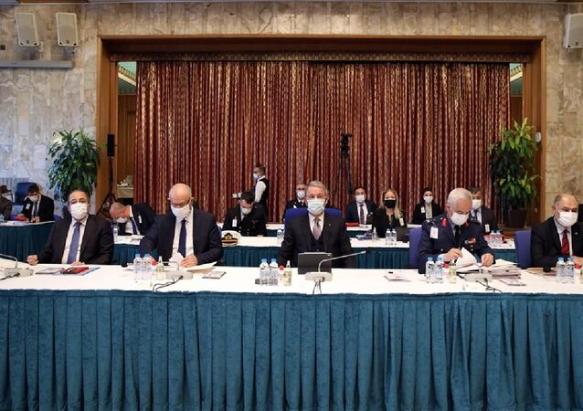 Hulusi Akar,TBMM Plan ve Bütçe Komisyonu'nda,Bakanlığının bütçesi üzerindeki görüşmelerde milletvekillerinin sorularını yanıtladı.