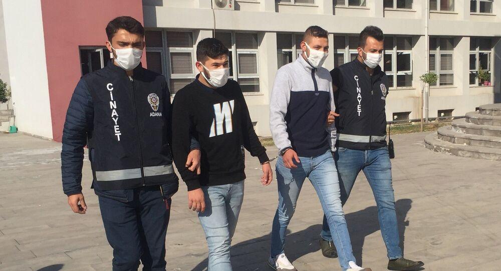Adana'da sokakta kavga ettiği şahıslara rastgele ateş ederken yoldan geçen bir vatandaşı vuran zanlı