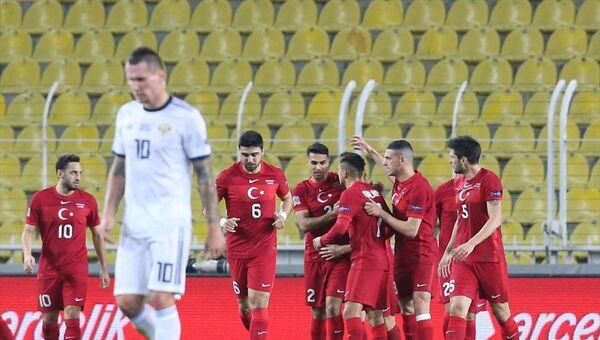 Türkiye'nin A Milli Futbol Takımı, UEFA Uluslar B Ligi 3. Grup'taki 5. maçında Ülker Stadı'nda Rusya ile karşılaştı. - Sputnik Türkiye