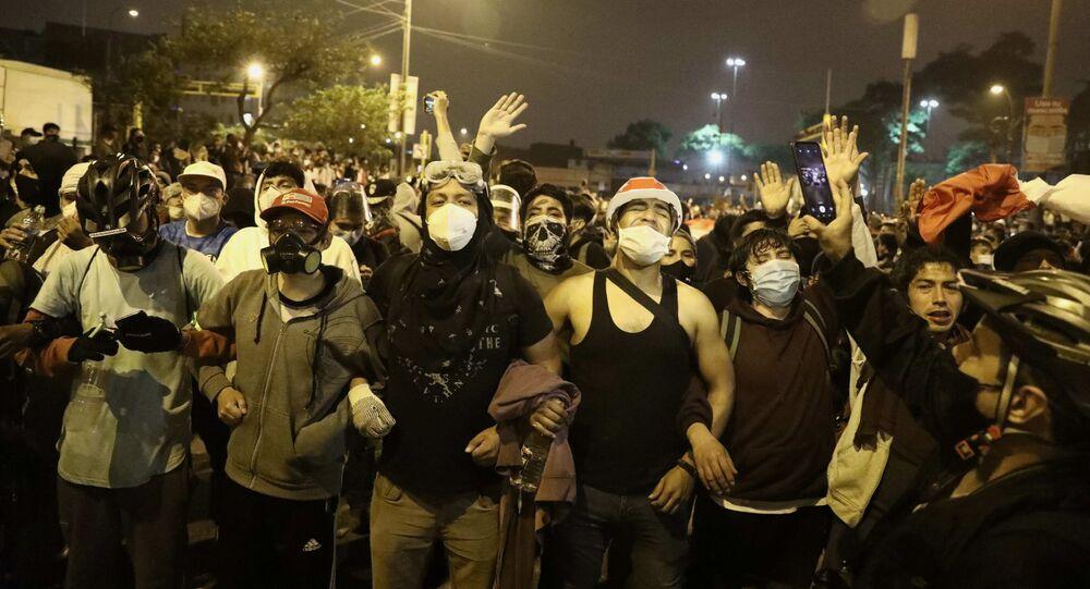 Peru'da Devlet Başkanı Martin Vizcarra'nın görevden alınması ile patlak veren protestolar