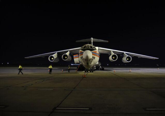 Rusya Savunma Bakanlığı, 18 İl-76 uçağı ve 2 An-124 Ruslan askeri nakliye uçağı ile yeni bir grup Rus barış gücü ve teçhizatın Ermenistan'ın başkenti Erivan'a gönderildiğini açıkladı.