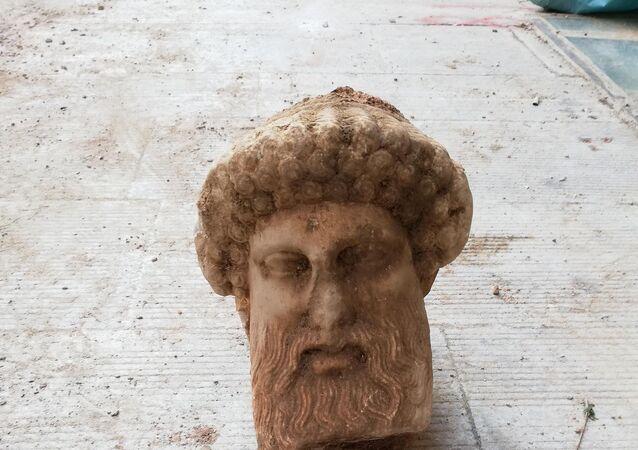 antik tanrı Hermes'in büstü