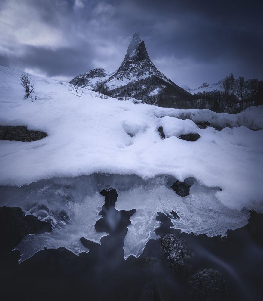 Yarışmanın Kar ve Buz kategorisinde birincilik ödülünü kazanan Tayvanlı fotoğrafçı Hong Jen Chiang'ın Kuzey Norveç'te çektiği manzara görüntüsü