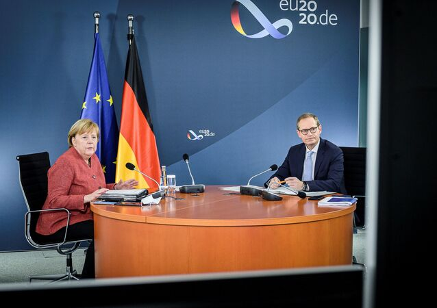 Angela Merkel - Berlin Eyalet Başbakanı Michael Müller