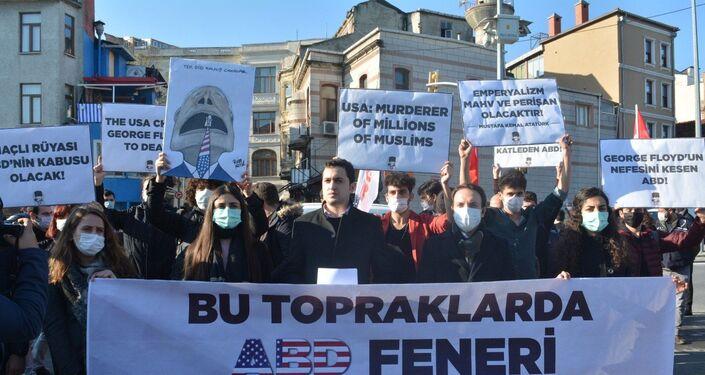 İstanbul'da Pompeo protestosu
