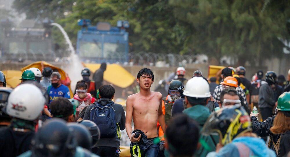 Tayland – protesto - polis