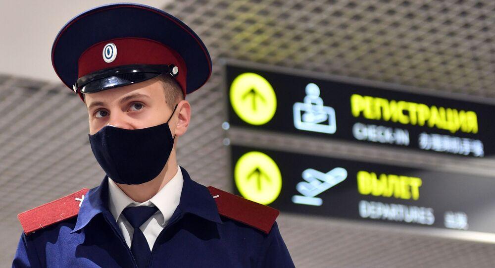 koronavirüs, Domodedovo M.V. Lomonosov Uluslararası Havalimanı, Moskova, Rusya