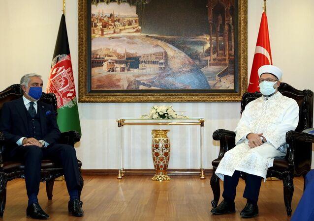 Diyanet İşleri Başkanı Ali Erbaş, Afganistan Milli Uzlaşı Yüksek Konseyi Başkanı Abdullah Abdullahile görüştü