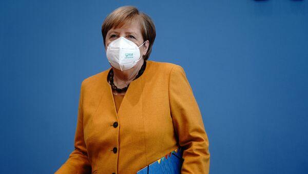 Angela Merkel - maske - Sputnik Türkiye